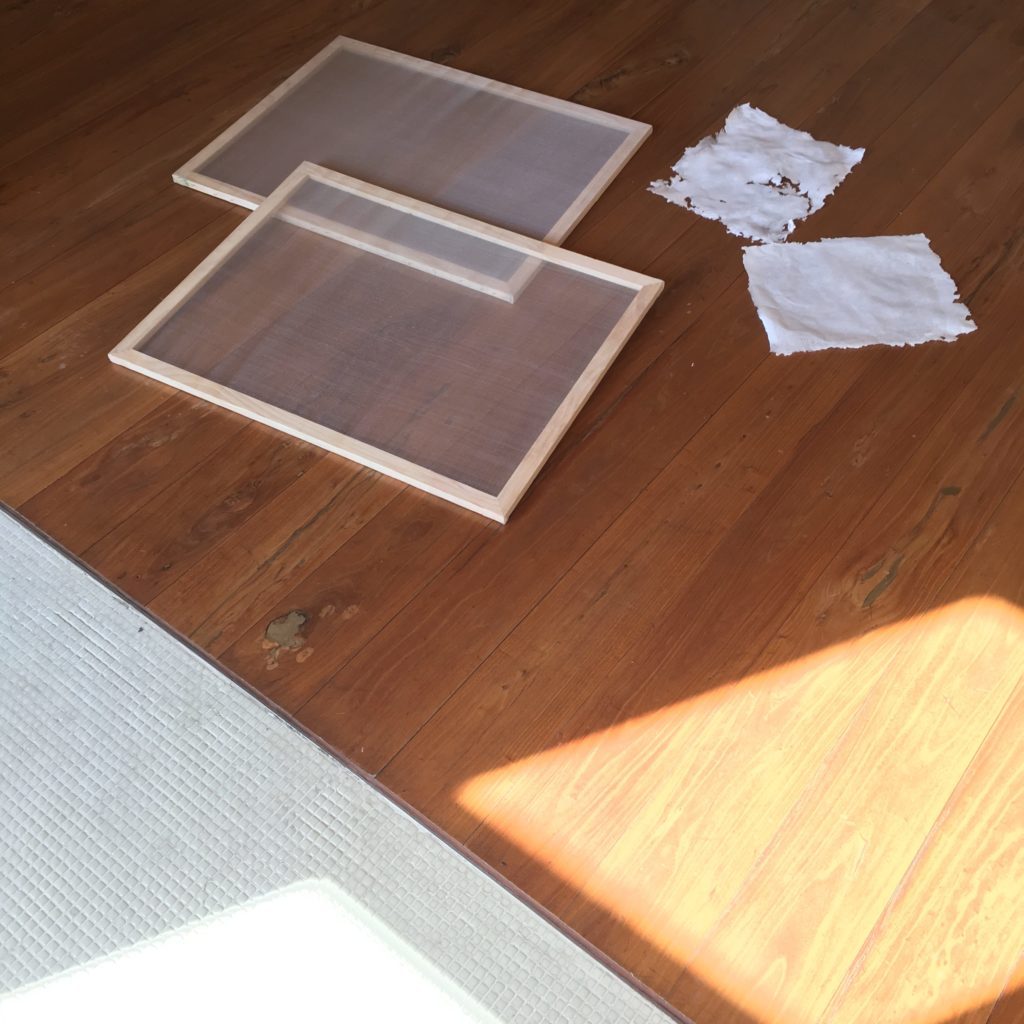 Recicling paper from cardboard